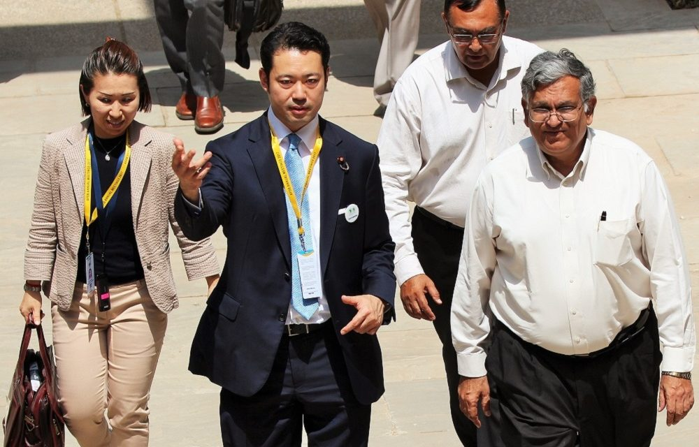 Japanese State Minister of Finance visits IITGN